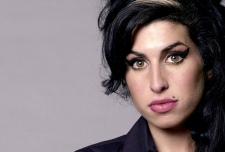 AMY WINEHOUSE FOUNDATION MENDIRIKAN PANTI REHABILITASI ALKOHOL