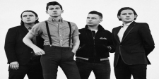 Arctic Monkeys Luncurkan Patung Gajah untuk Acara Amal