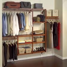 5 Hal Yang Perlu Diperhatikan Dalam Merawat Pakaian dan Sepatu