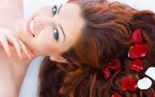 Rambut Mudah Rontok & Patah, Ini Tips Atasinya!