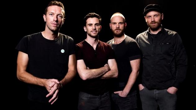 Coldplay Rilis Buku Life in Technicolor di Ulang Tahunnya ke 20