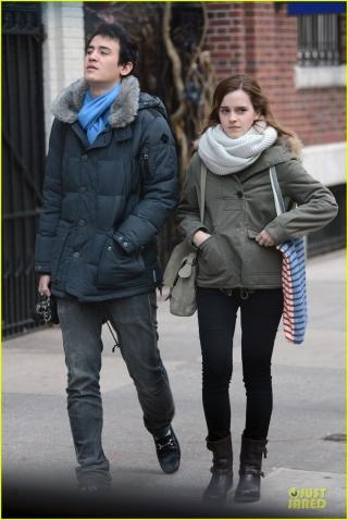 Pakai Narkoba, Emma Watson Putuskan Pacarnya?