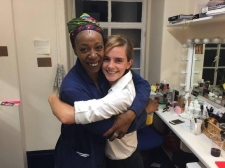 Emma Watson Puji Akting Noma Dumezweni di Teater 'The Cursed Child'