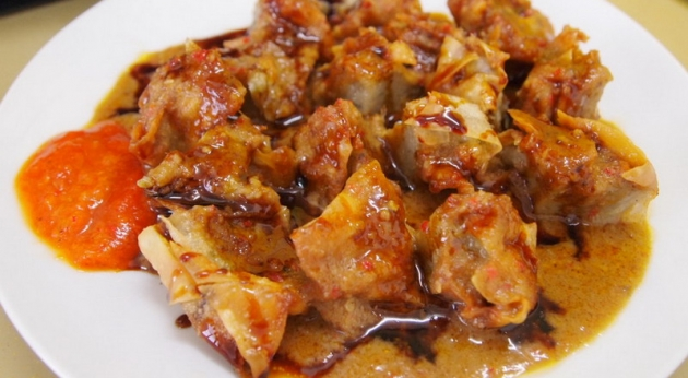 Enaknya Makan Batagor Ayam, Si Kecil Pasti Lahap