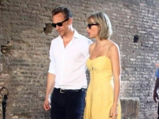 Asmara dengan Taylor Swift Pengaruhi Karier Tom Hiddleston?