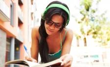Waspadai Hal Ini Jika Anda Sering Menggunakan Headset