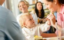 Cara Cerdas Hentikan Tangisan Bayi di Tempat Umum