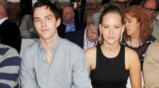 Beli Rumah di Inggris, Jennifer Lawrence Siap Kumpul Kebo