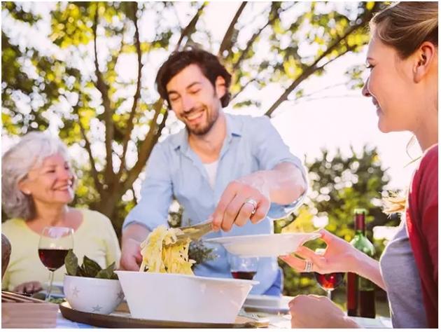 Suami Lebih Dekat Dengan Ibu? Jangan Marah Dulu