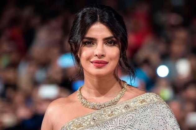 Priyanka Chopra Gabung Keanu Reeves di The Matrix 4?
