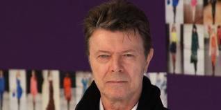 Musisi David Bowie  Bintangi Iklan Louis Vuitton Terbaru