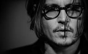 Johny Depp Hadiahi Anting Rp 600 Juta untuk Sang Kekasih