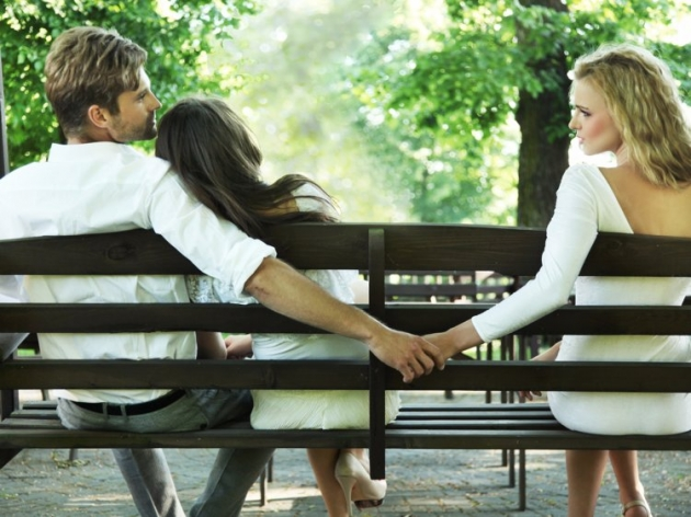 Jatuh Cinta Pada Pasangan Orang, Stop Atau Lanjutkan?