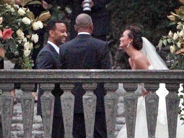John Legend & Chrissy Teigen Resmi Menikah