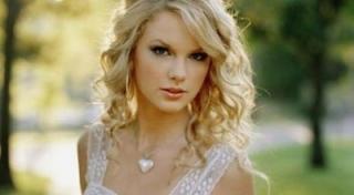 Taylor Swift Kesal Ditolak Aktor Inggris