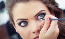 Kesalahan Paling Sering saat Pakai Eyeliner