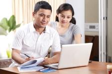 Kompak Mengatur Keuangan Bersama Pasangan
