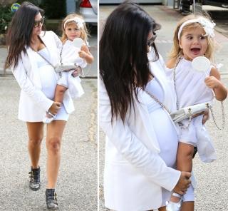 Terhantam Pintu Mobil, Anak Kourtney Kardashian Jatuh & Menangis