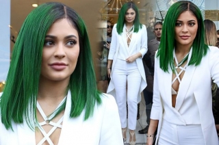 Kylie Jenner Ubah Warna Rambut
