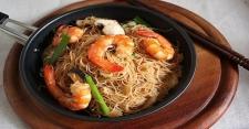 Lapar di Sore Hari Enaknya Bikin Bihun Goreng Cah Seafood