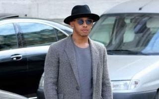 Lewis Hamilton Seriusi Dunia Fesyen