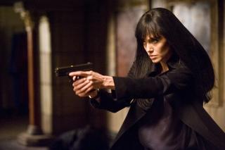 Lima Bintang Film Ini Lakukan Sendiri Adegan Berbahaya