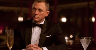 Fakta Mengenai Kebiasaan Minum James Bond