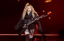 Madonna Beri Penghormatan untuk Prince di Billboard Music Award