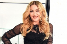 MADONNA RAIH PENGHARGAAN WOMEN OF THE YEAR DARI BILLBOARD