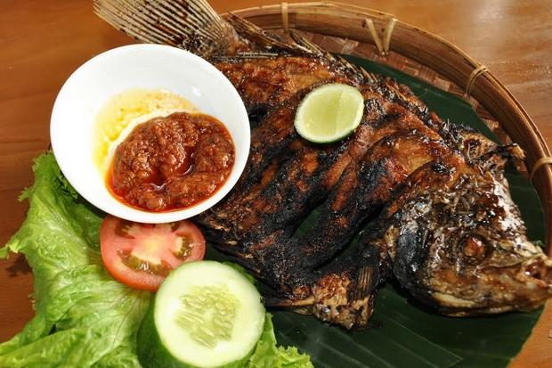 Yuk Bikin Ikan Bakar Buat Makan Siang, Gampang Lho!