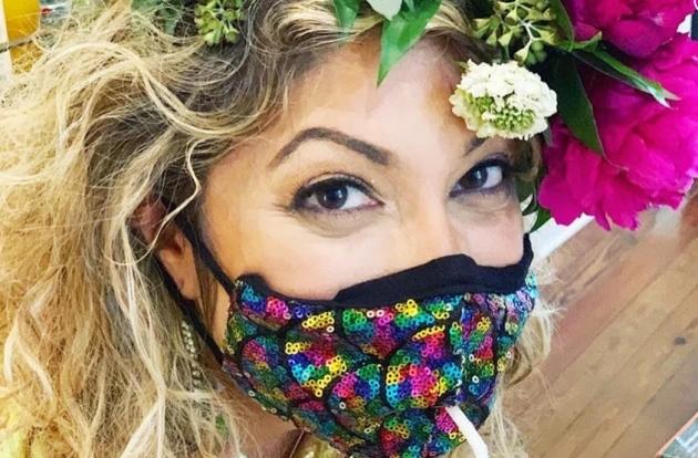 Masker Anti Corona dengan Lubang Sedotan