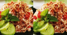 Mencicipi Kelezatan Nasi Goreng Oncom untuk Sarapan