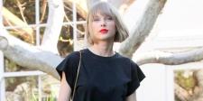 Mendadak Montok, Taylor Swift Pasang Implan Atau Hamil Sih?