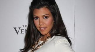 Sudah Punya 2 Anak, Kourtney Kardashian Hamil Lagi