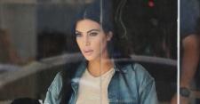 FOTO: Pamer Bentuk Payudara, Kim Kardashian Disebut Cari Perhatian