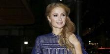 Pamer Cincin Berlian di Jari Manis, Paris Hilton Sudah Tunangan?
