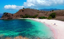 7 Pantai Terindah di Dunia, 3 Diantaranya Ada di Indonesia