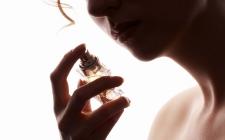 Apa Perbedaan Parfum, Eau DeParfum, Eau De Toilette, dan Eau De Cologne?
