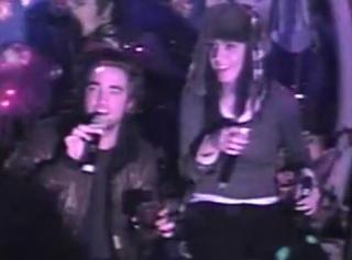 Robert Pattinson-Katy Perry Kepergok 'Kencan' Di Karaoke