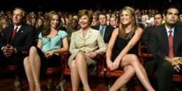 Duduk bersilang bisa menyebabkan varises?