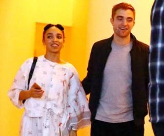 Robert Pattinson dan FKA Twigs Batal Menikah Dalam Waktu Dekat