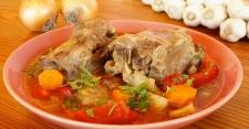 Santap 10 Varian Sup Buntut untuk Makan Siang