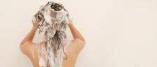 Atasi Rambut Rusak Dengan Clarifying Shampoo