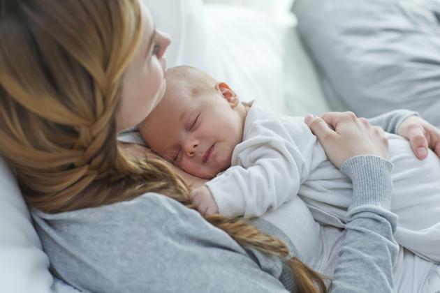 Manfaat Sentuhan Ibu Pada Bayi