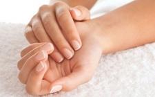 10 Cara Ampuh Menghaluskan Telapak Tangan