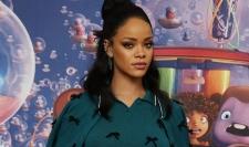 Rihanna Bakal Main Film Bareng Brad Pitt dan George Clooney