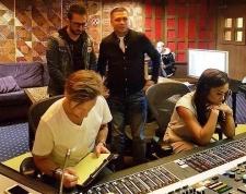 Krisdayanti Rekaman di Studio yang Dipakai Justin Bieber