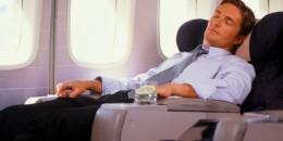 Tips Dan Trik Tidur Nyenyak Dalam Pesawat