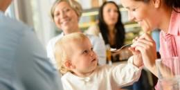 Trik Hentikan Tangisan Anak di Tempat Umum