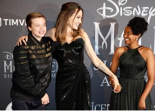 Anak Angelina Jolie Jajal Dunia Perhiasan !